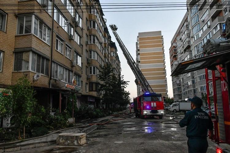 С огнем спасатели боролись больше четырех часов.
