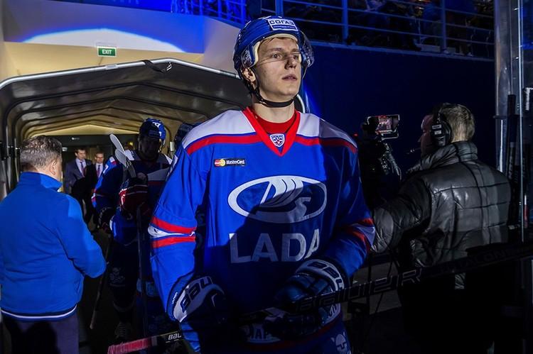 Профессиональную карьеру Денис начал в родном Тольятти. Фото: ХК «Лада».