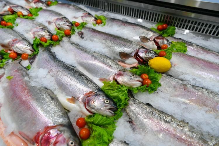 Только свежая рыба! Фото: Сергей Юдин