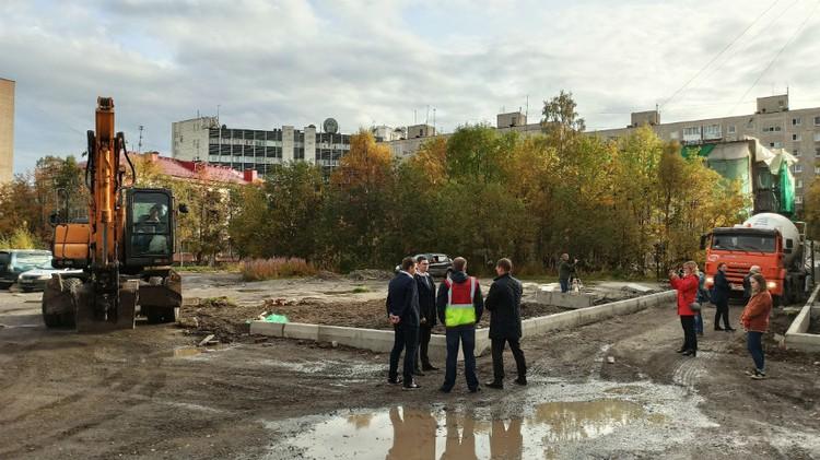 Подрядчику и тем, кто будет ему помогать, сказали успеть закончить дороги в рамках нацпроекта до 1 октября. Фото: правительство Мурманской области