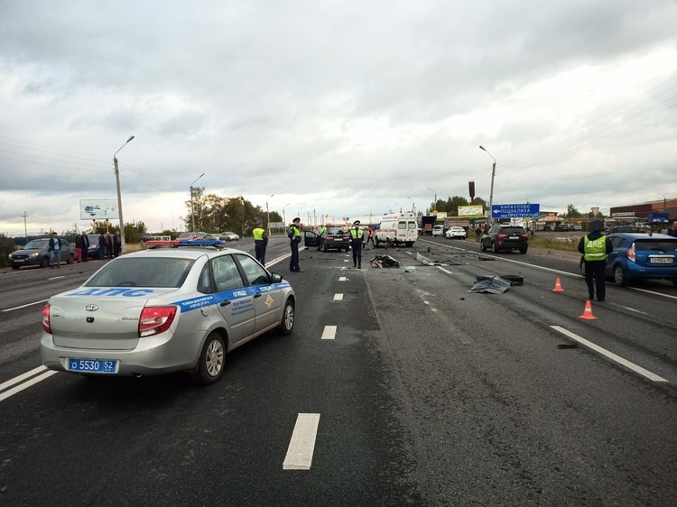 Пять человек погибли в массовой аварии под Нижним Новгородом. Фото: ГУ МЧС России по Нижегородской области