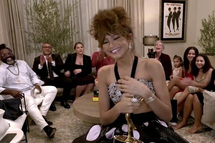 Лучшей актрисой в драматическом сериале назвали 24-летнюю Зендаю за молодежный хит «Эйфория»