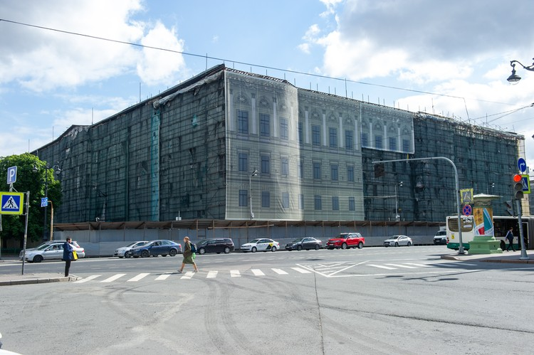 Реконструкция здания длится уже 6 лет
