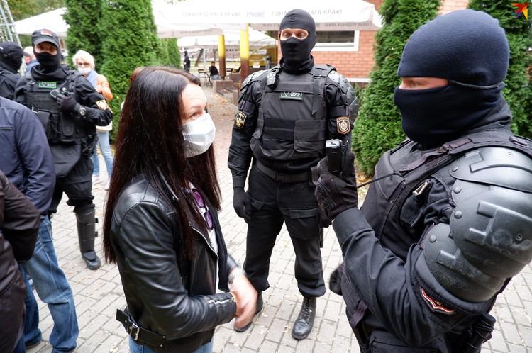 Протестующие пытались доказать силовикам, что они имеют право гулять по улицам