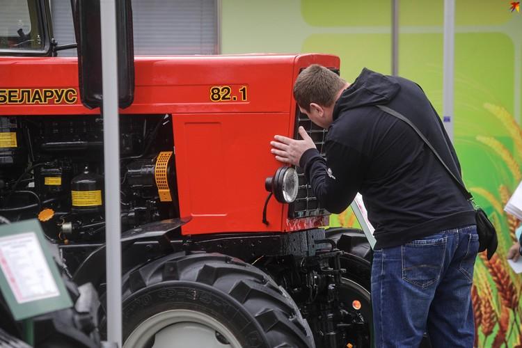 Старый проверенный трактор Белорус всегда в цене