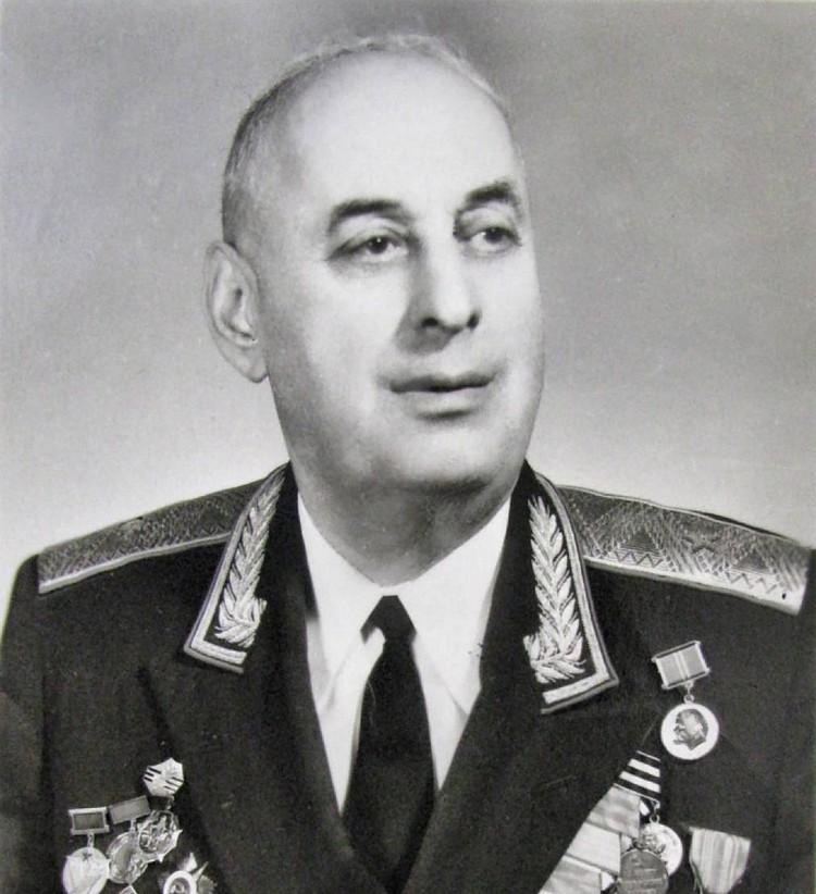 Комдив 239-й стрелковой дивизии Мартиросян.