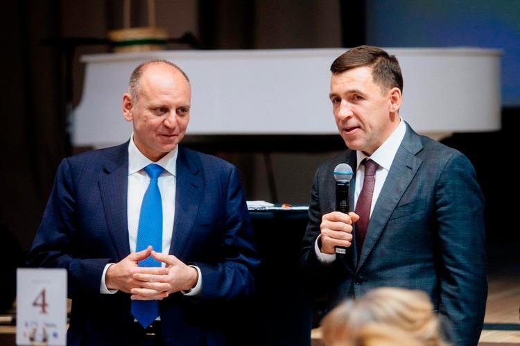 Губернатор Свердловской области Евгений Куйвашев (справа) принимает личное участие в благотворительных вечерах Екатерининской ассамблеи. На фото вместе с президентом СОСПП Дмитрием Пумпянским (слева).
