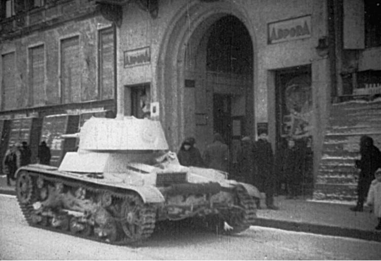 Киносеансы устраивали даже в войну. Фото: Кинотеатр «Аврора»
