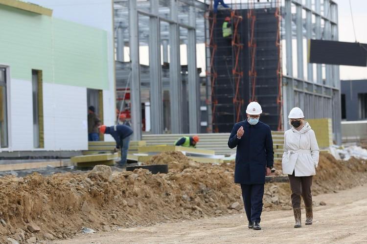 Строительство новой инфекционной больницы идет полным ходом. Фото: пресс-служба губернатора