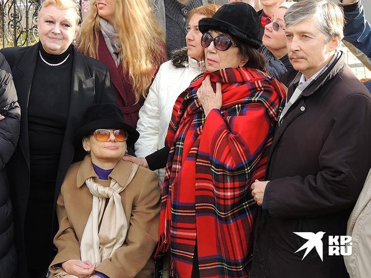 Баталова Мария, слева - Наталья Дрожжина, справа - Гитана Аркадьевна