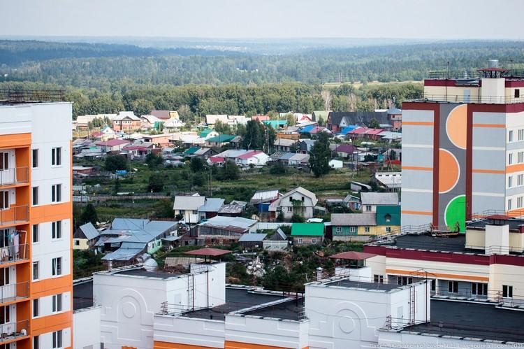 В окраинных микрорайонах Томска сложно провести границу между городом и предместьем.
