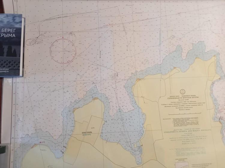 Карта, на которой отмечен путь, проделанный катером от бухты Круглая до места происшествия