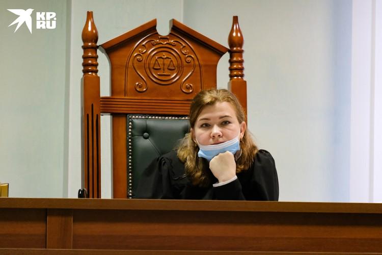Судью удивил свидетель с секретами, который отказывался отвечать на некоторые вопросы