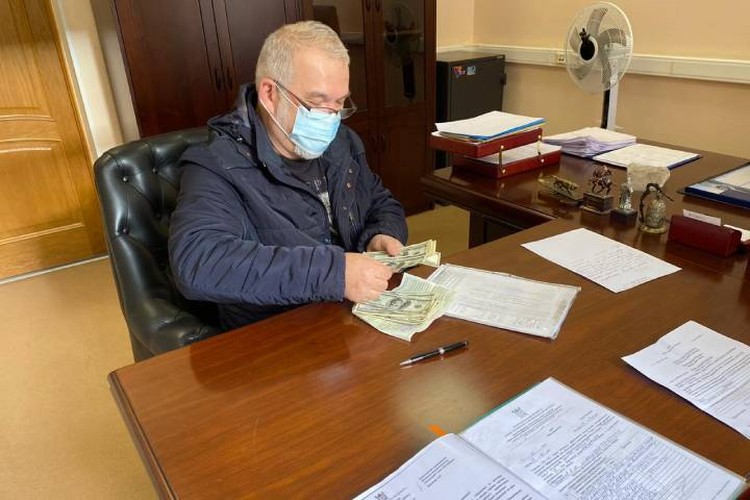 Деньги были переданы законному хозяину / Фото: ККИ