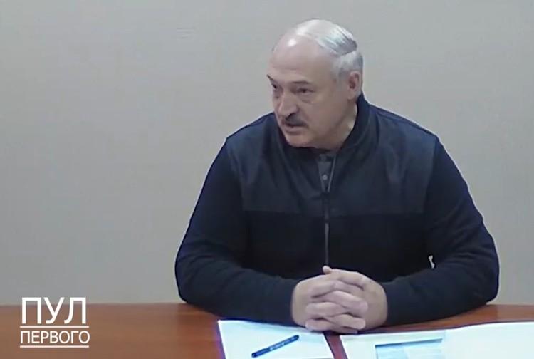 Президент Белоруссии Александр Лукашенко приехал к оппозиционерам в СИЗО 10 октября.
