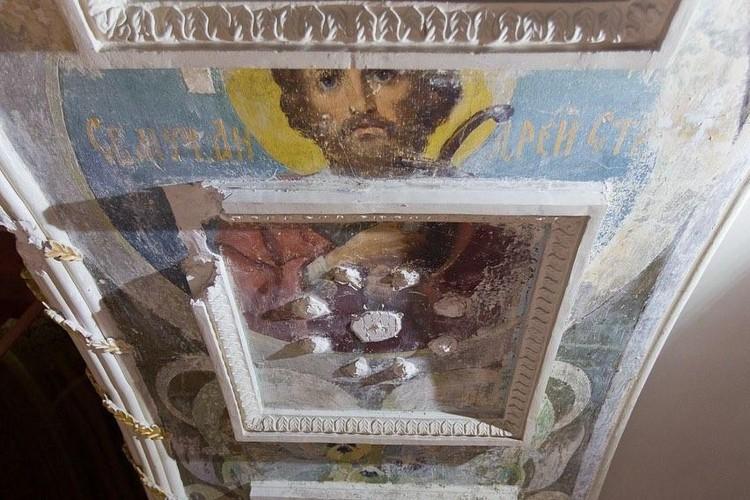 Эксперты полагают, что найденные фрески - работа школы живописца Васнецова. Фото: instagram.com/alexeytexler.official