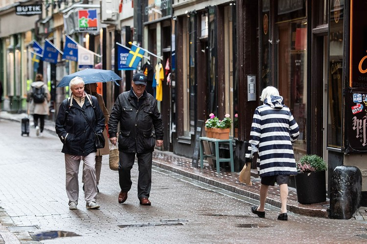 Опыт Швеции, которая во время пандемии решила не ограничивать права и свободы граждан, вызывал и продолжает вызывать в мире двойственные чувства.