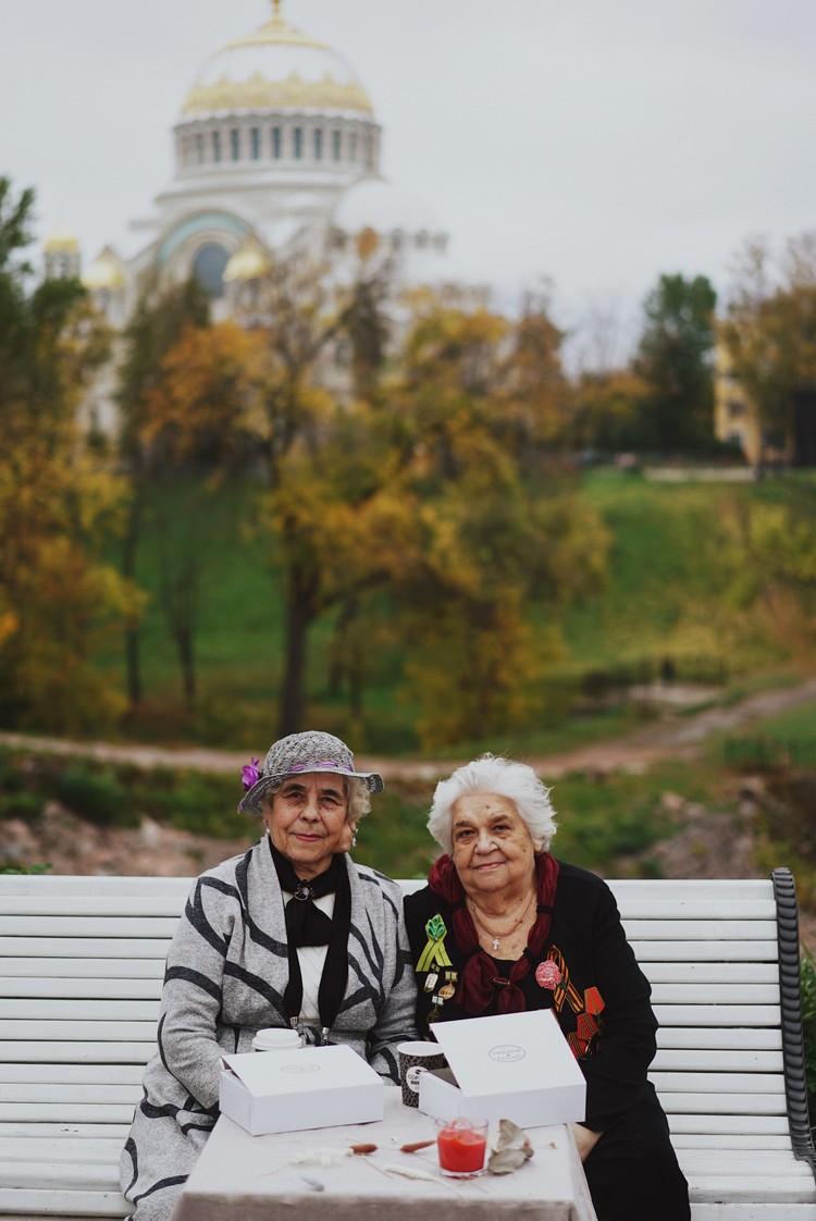 Галина Маркеловна (слева) и Евгения Михайловна всю жизнь прожили в Кронштадте. Фото: Ольга Проскурина