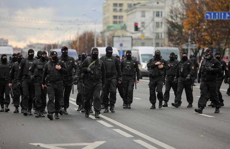 Похоже, что со сменой главы МВД в Белоруссии появилась и новая тактика «креативного» подавления протестов.