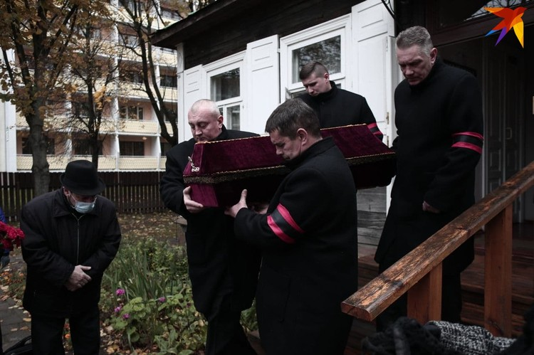 Прощание с Змитроком Бядулей проходило в «Беларускай хатцы», где писатель жил несколько лет