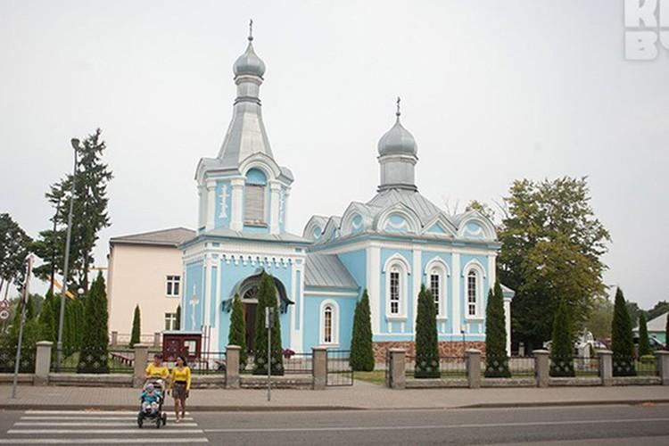 Церковь Архангела Михаила, построенная в 1865 году. Фото Александр Саенко.