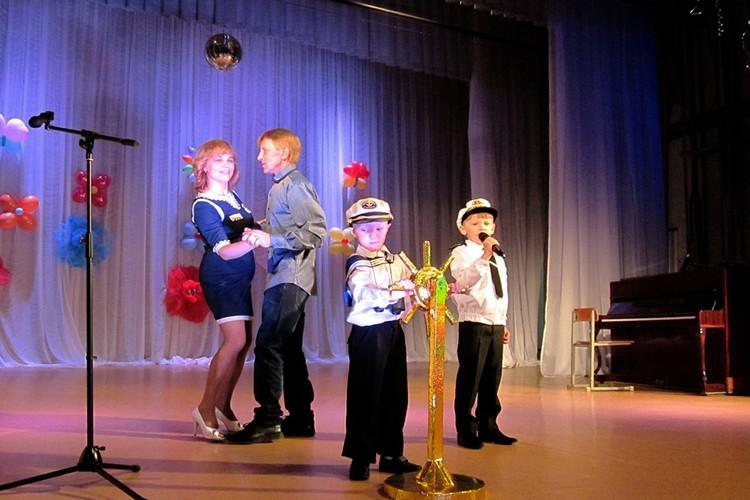 Семья Олюниных во время участия в конкурсе «Ее величество семья». Фото: предоставлено героями публикации