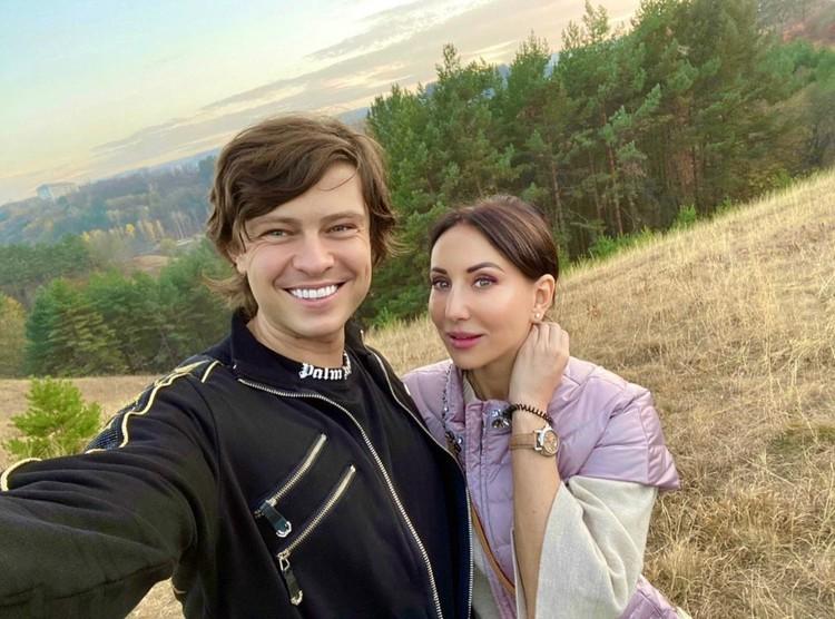 Прохору в Кисловодске совсем не кисло: здесь он встретил Алику Смехову, которая приехала восстанавливаться после перенесенного недавно коронавируса.