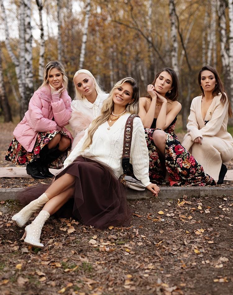 В этом сезоне лукбук Потемкиной получился особо романтичным