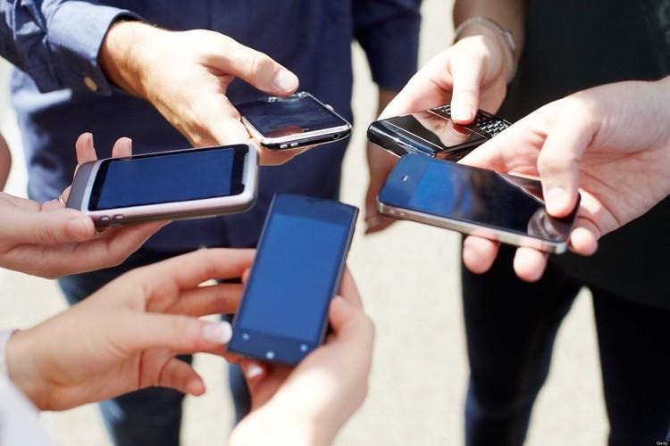 Современные смартфоны стоят дорого, поэтому обращаться с ними нужно аккуратно.