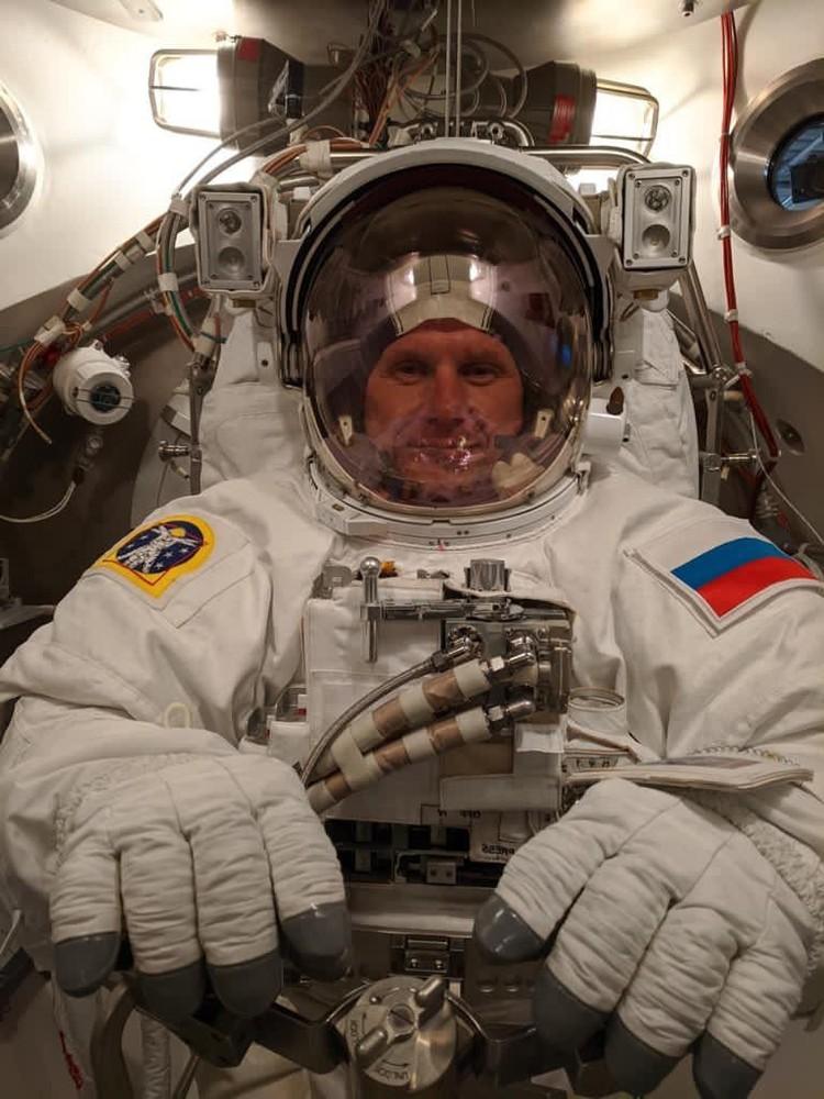 Снимки из космоса Олег Новицкий будет выкладывать в инстаграм. Фото: личный архив.