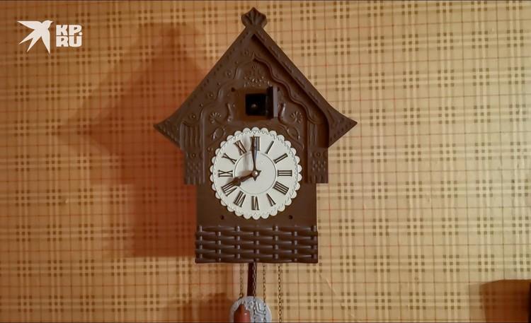 Любимые часы с кукушкой Александра Демьяненко до сих пор сохранились у падчерицы