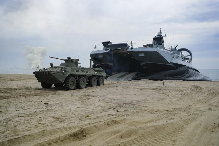 Россия получит возможность ввозить и вывозить через морские порты и аэропорты Судана вооружение и боеприпасы.