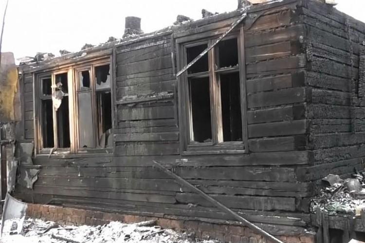 Сгоревший дом. Фото: ГУ МВД России по Иркутской области