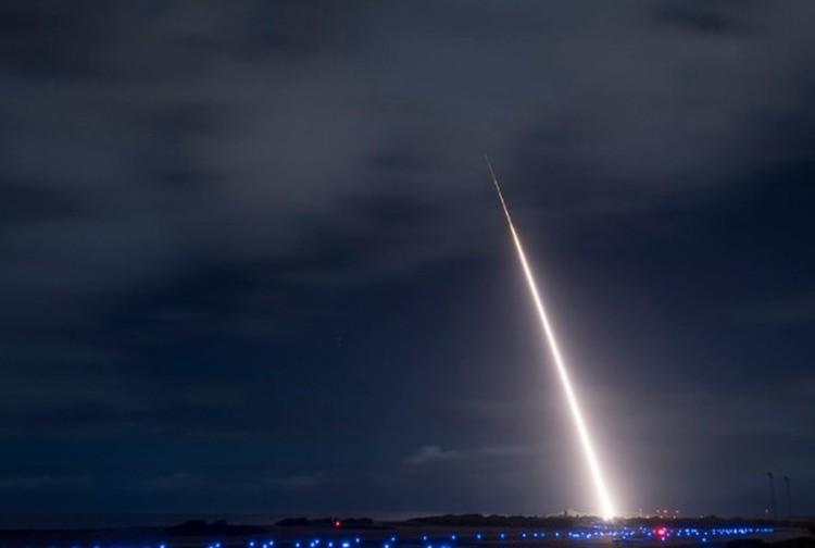 Данные для успешного перехвата передавались с борта ракетного эсминца ВМФ США. Фото: Official U.S. Navy Page
