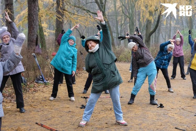 """Основным залогом выздоровления все собеседники """"Комсомолки"""" называют прогулки на свежем воздухе и занятия спортом."""