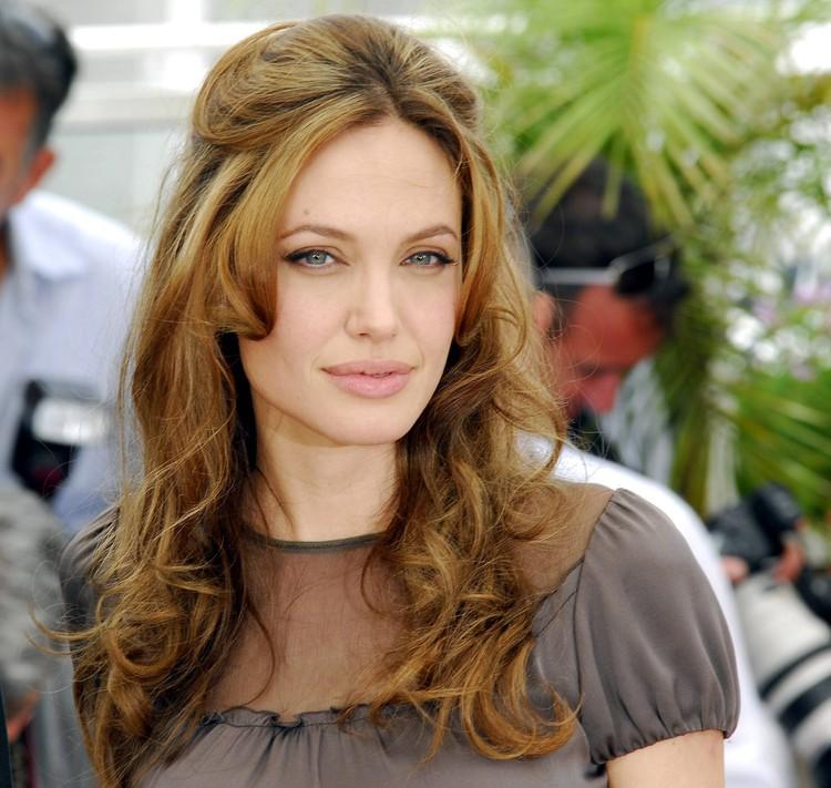 Анджелина Джоли провела на экране обнаженной 24 минуты.