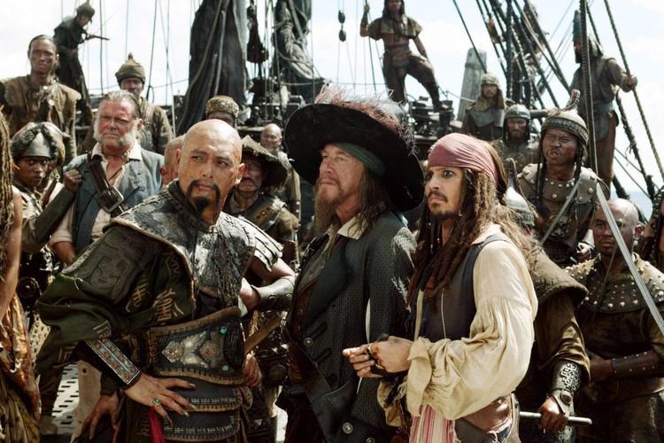 Для пиратов, как для людей простых, их ремесло было не просто морским разбоем, а в какой-то мере социальной альтернативой.