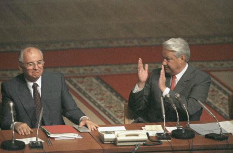 Ветеран переживает, что не смог помешать Горбачеву и Ельцину ликвидировать СССР. Фото: Юрий АБРАМОЧКИН/РИА Новости
