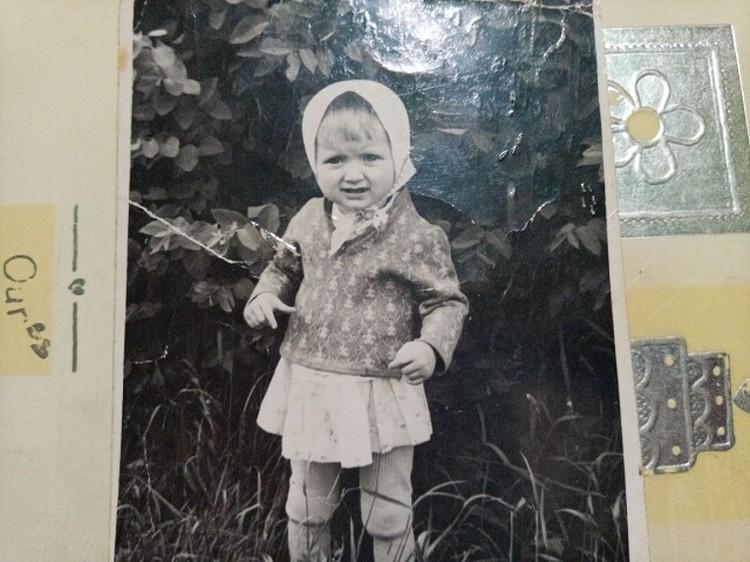 Николай всю жизнь хранил фото дочки, с которой его разлучили в 1970 году. Фото из личного архива семьи
