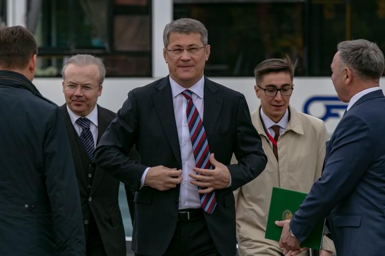 Глава Башкирии будет зарабатывать по 488 тысяч рублей в месяц
