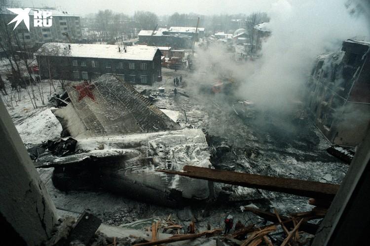 Крушение грузового самолета Руслан в Иркутске. 6 декабря 1997 он упал на жилые дома, в результате чего погибли 72 жителя города