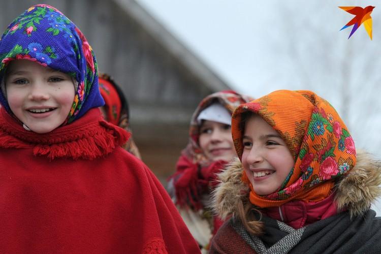 Организовали праздник молодые белорусы, которые хотят сохранить традиции, и сотрудники музея архитектуры и быта в Строчицах