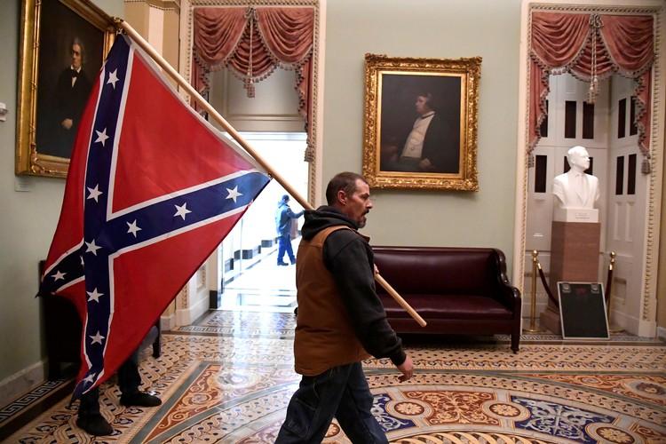 Dixie Pride! Флаг Конфедерации в Капитолии - во времена сецессии о таком только мечтали
