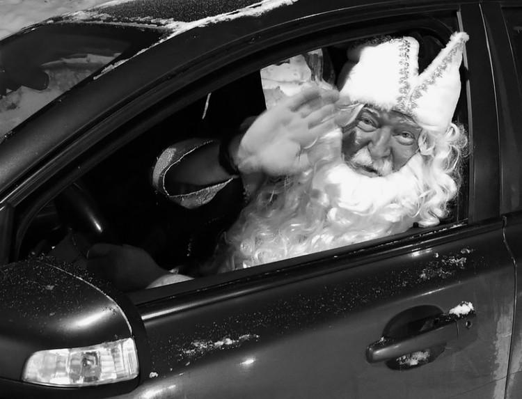 Много лет Андрей Бобров играл Деда Мороза.