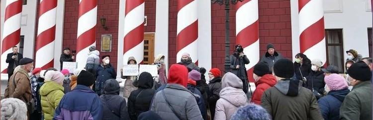 В Одессе люди также вышли на акцию протеста. Фото:unian.net