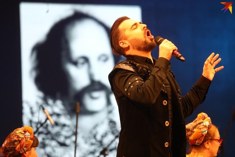 Солировал на концерте Ян Женчак.