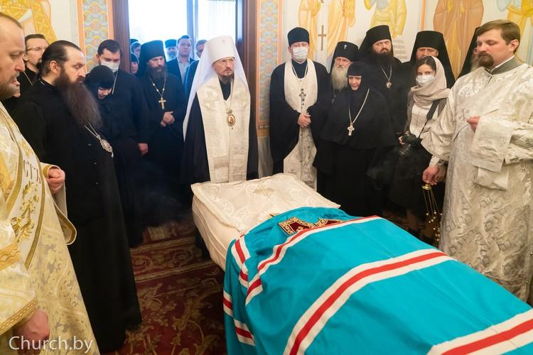 Гроб с телом митрополита был доставлен в Минское епархиальное управление. Фото: church.by