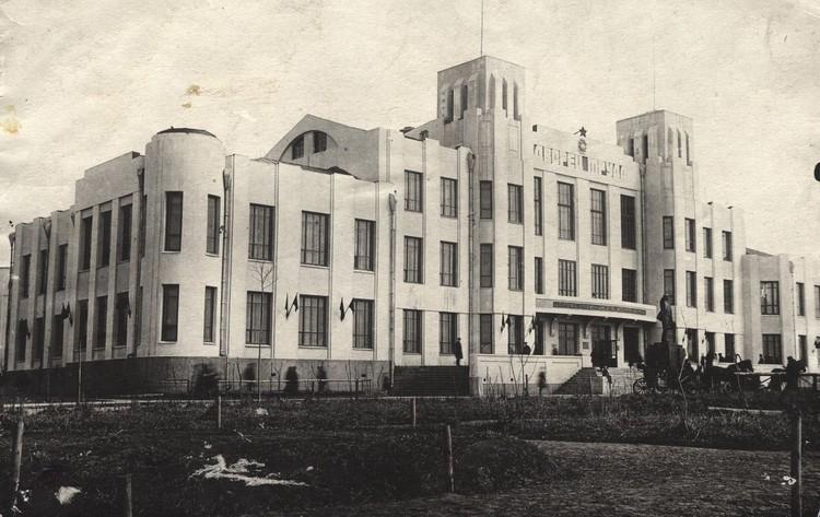 А так в конце 20-х выглядел дворец труда. Фото: Музей Новосибирска.