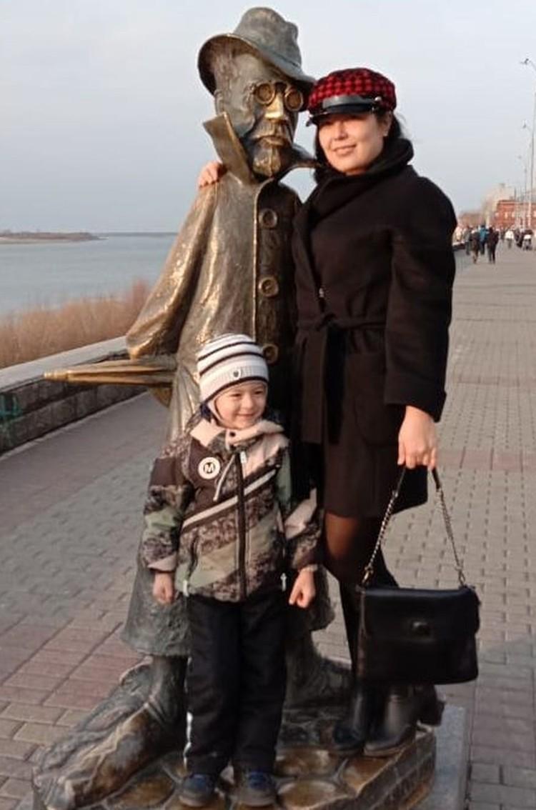Наталья была лишена возможности носить сына на руках. Фото: личный архив.