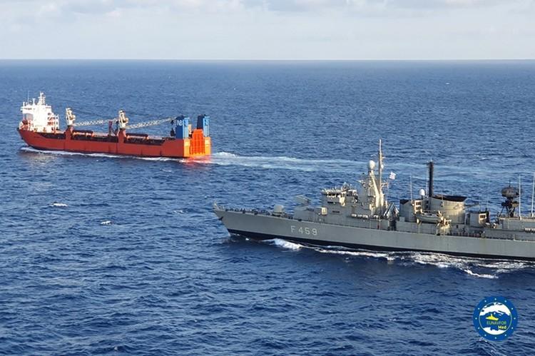 На российское судно натовский десант высадился в рамках операции IRINI